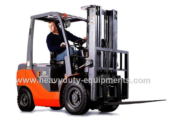 Çin 4 Cylinder Gasoline Forklift Loading Truck 2070mm Overhead Guard Height Fabrika