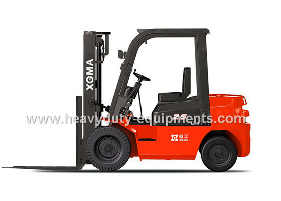 Çin Diesel Power Type Industrial Forklift Truck Energy Saving With Safety Alarm Light Fabrika